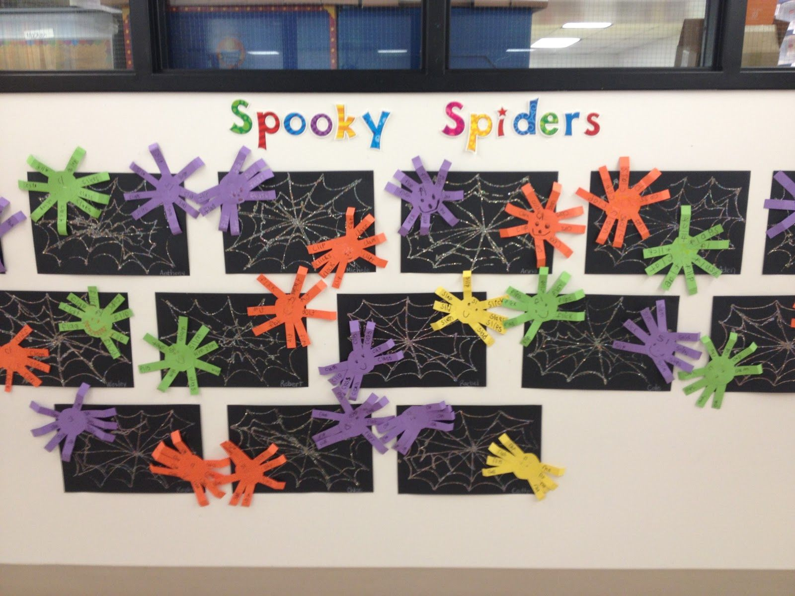 First Grade Smiles Last Minute Halloween Crafts Spiders