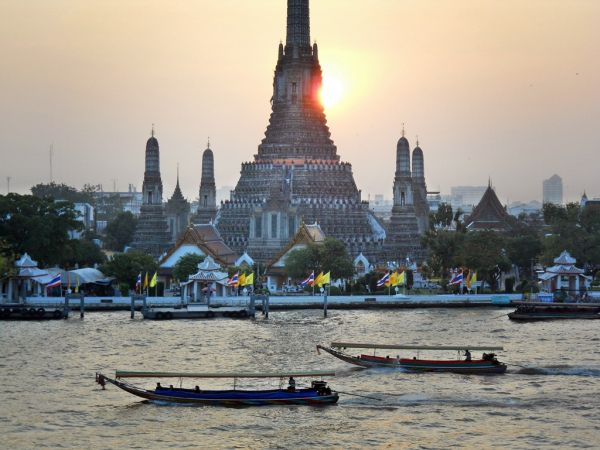 Bien commencer l'année en accumulant des mérites - A la Une, Bouddhisme, Culture - thailande-fr