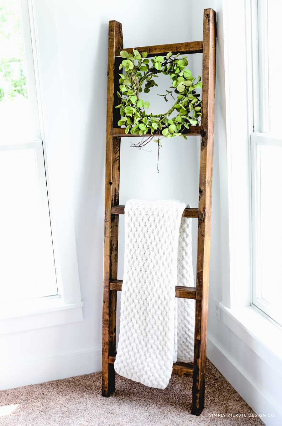 Easy 15 Wooden Blanket Ladder In Less Than An Hour Wooden Blanket Ladder Wood Blanket Ladder Easy Diy Decor