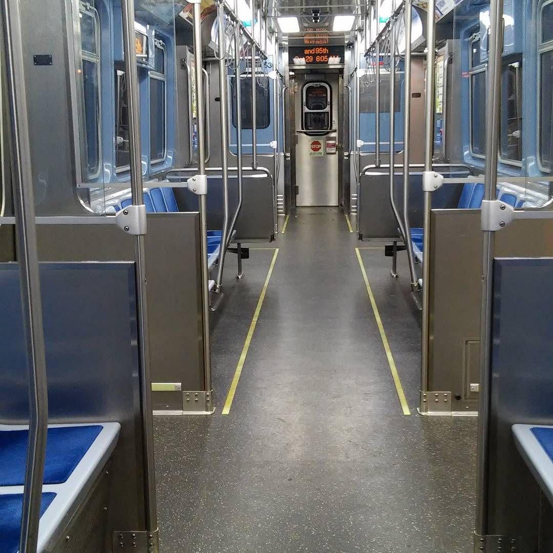 Empty train car cta chicago redlineu201d Going