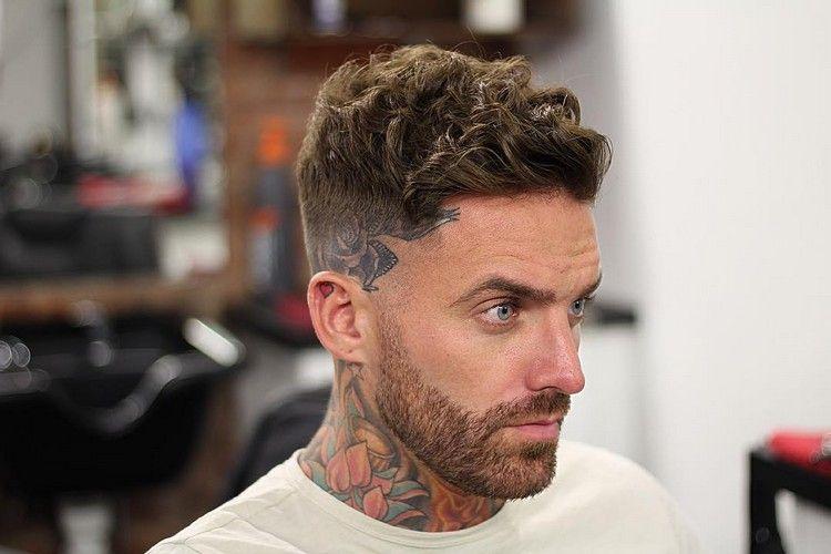 coupe de cheveux homme tendance fade cheveux bouclés hommes branchés 2018  hairstyle