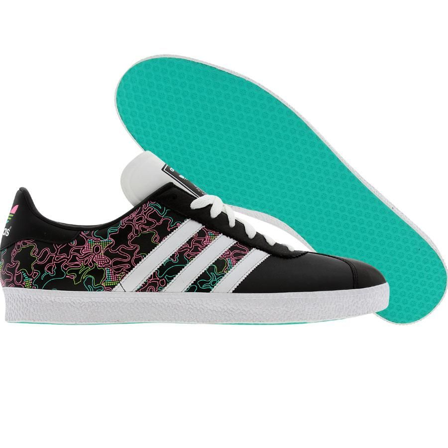 Percezione spingere agricolo  Adidas Gazelle 2 Graphic (black / white / lucpi) 019684 - $79.99 | Adidas  gazelle, Socks and sandals, Nice shoes