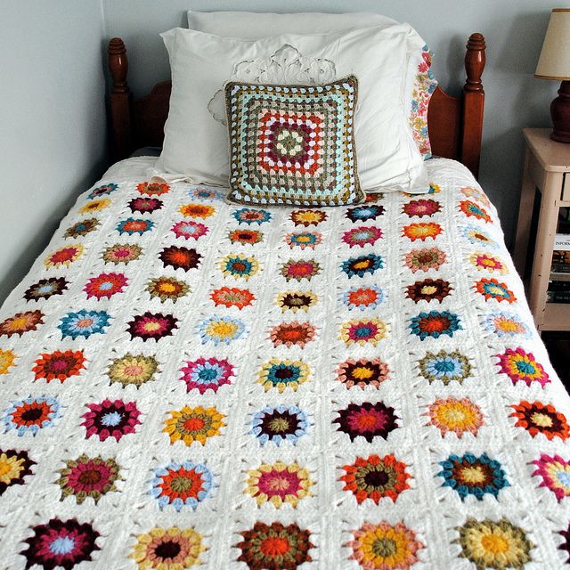 starburst blanket by Katherine Codega, via Flickr
