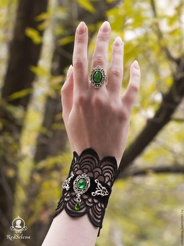 """Купить Кружевной комплект """"Emerald Passion"""": чокер, браслет, кольцо и серьги - тёмно-зелёный, черный"""