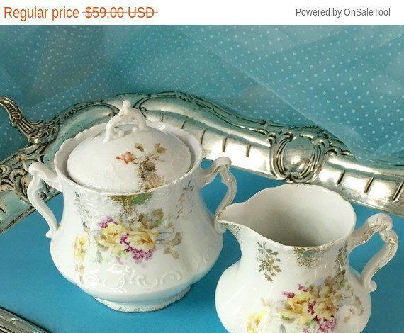 Gran tamaño 1900 antiguo azúcar y crema, servir, pintado a mano China Vintage, boda, bebé ducha té, cocina Vintage, rosas amarillas