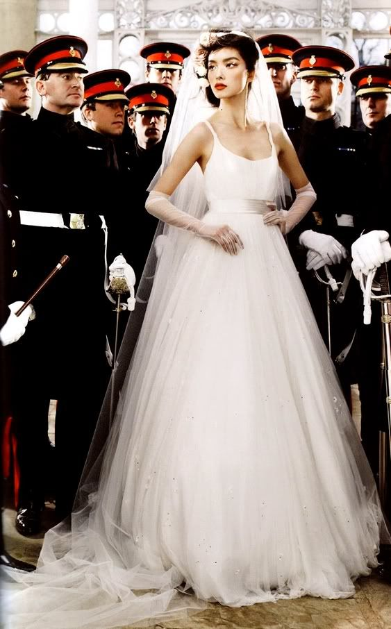Love The Skirt Vogue Wedding Wedding Dresses Beautiful Wedding Dresses