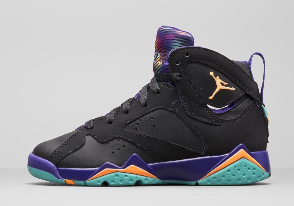 "Girl's Air Jordan 7 Retro ""Lola Bunny"" Official Images 