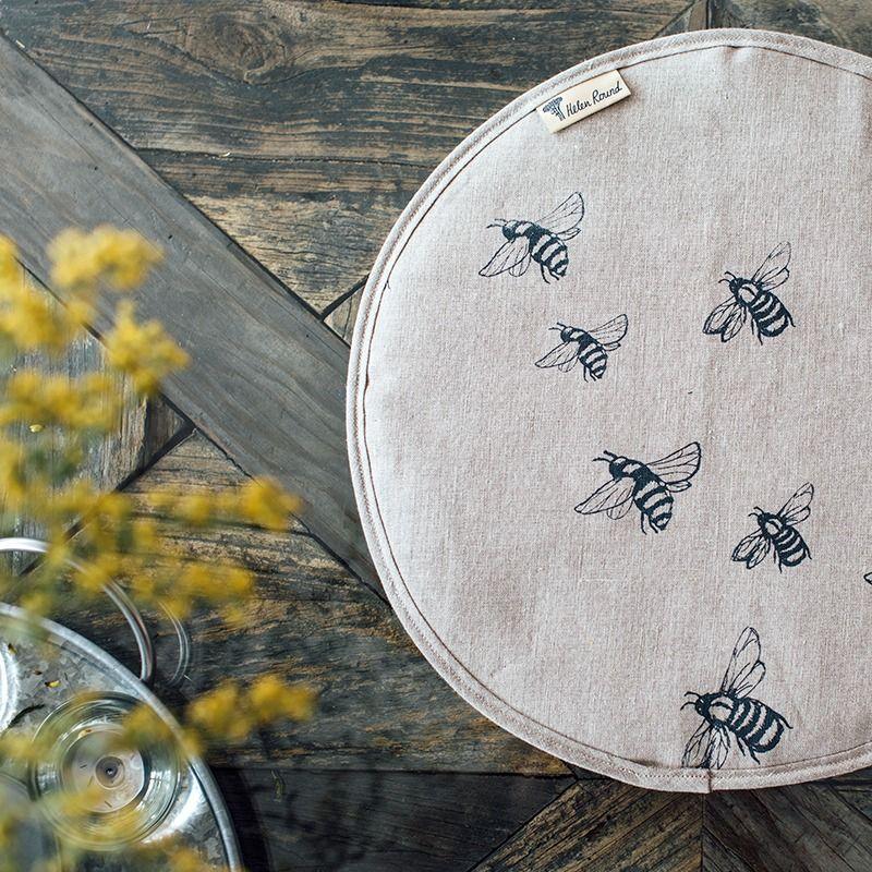Aga Chef Pad Bee Top Pure Linen - Helen Round