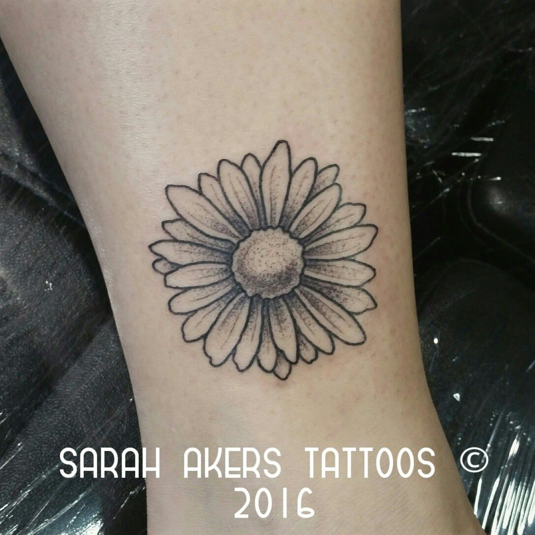 54ee0bf80 Simple daisy on ankle with dot shading | Tats | Tattoos, Dot tattoos ...