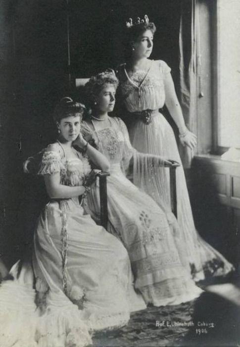 Princess Beatrice of Saxe-Coburg and Gotha, Crown Princess Marie of Romania and Princess Victoria Melita of Saxe-Coburg and Gotha, 1906.