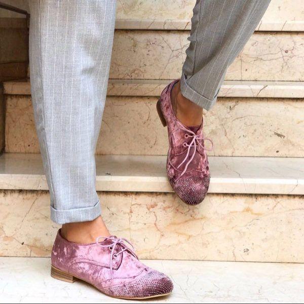 Pudra Renk Taş İşleme Detaylı Kadife Günlük Bayan Ayakkabı