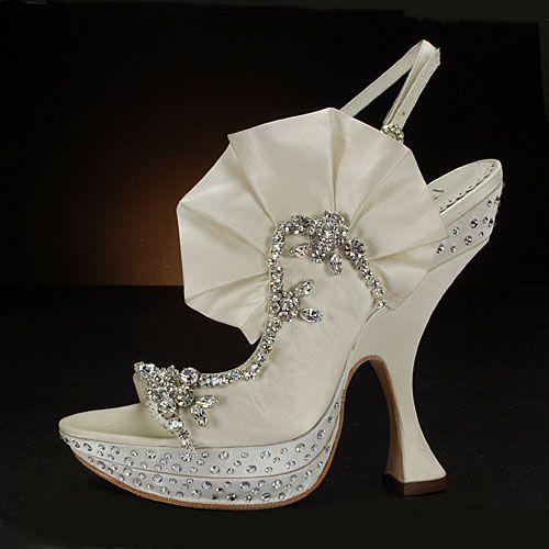 Japanese wedding shoes Nu Shuz Pinterest Wedding shoes