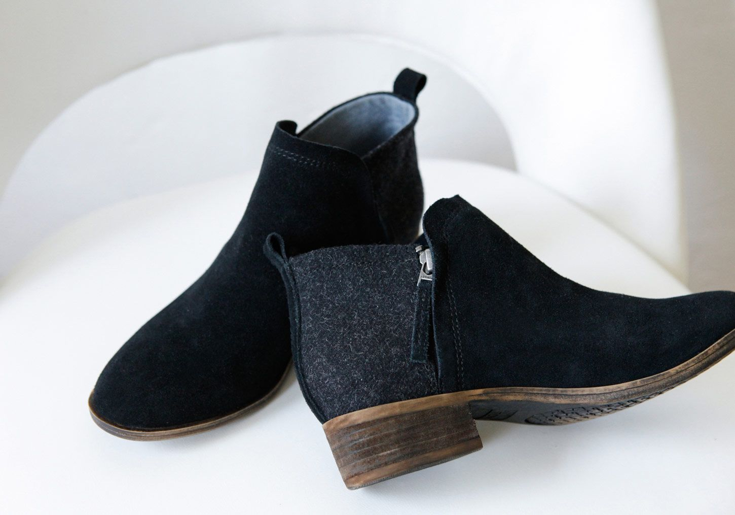 043b0e2042d With a short heel and a blend of suede and wool