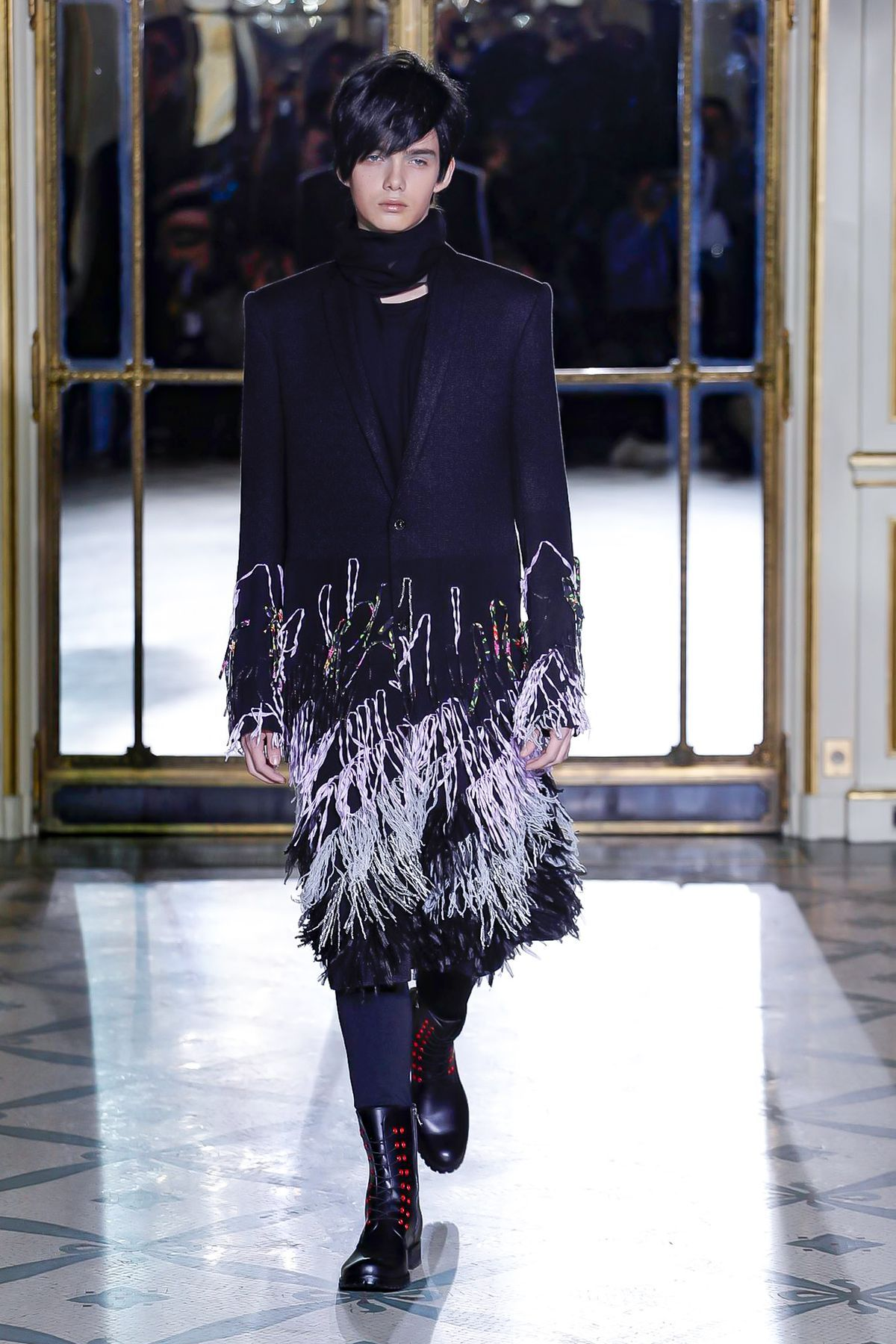 efcffe31af2 Rynshu Menswear Fall Winter 2019 Paris - NOWFASHION | Menswear ...