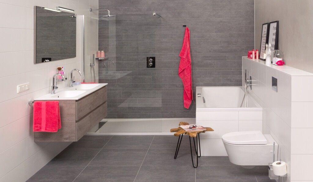 bad en douche naast elkaar \
