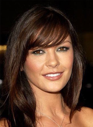 Celebrity Hairstyle Catherine Zeta Jones Hairstyles Pictures Bangs With Medium Hair Medium Hair Styles Hairstyles With Bangs