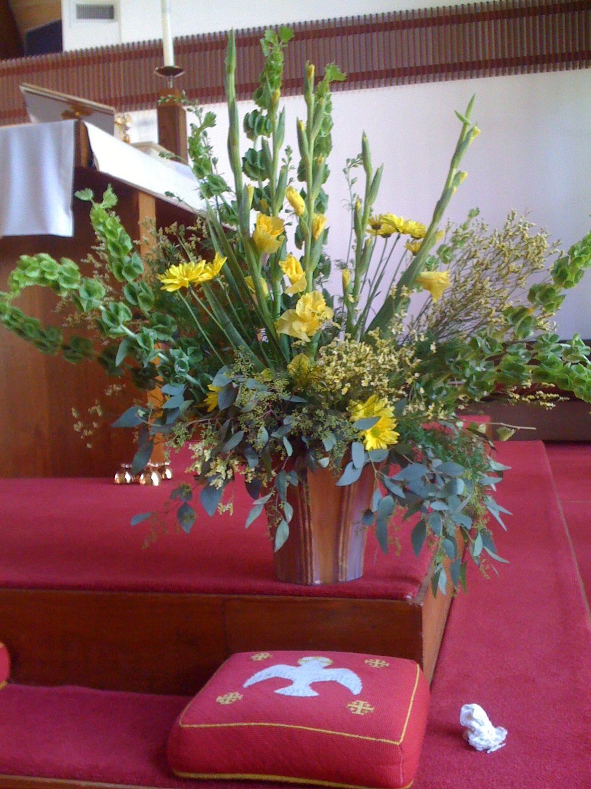 Altar Flowers Church flower arrangements, Altar flowers
