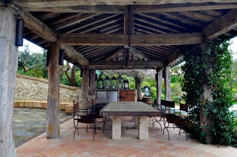 porche rstico con cubierta de madera