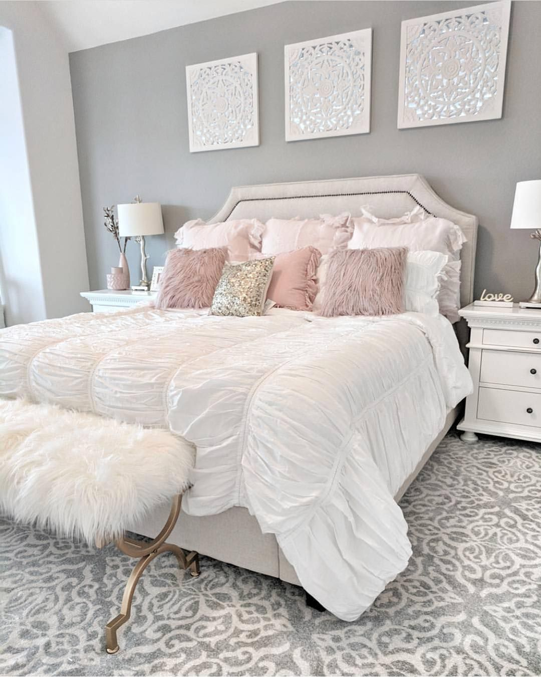 Beautiful Bedroom So Chic And Cozy By Rqcharminghomes Beauty Decor Lifestyle Design Luxury Ideas Bedroom Decor Girl Bedroom Designs Girl Bedroom Decor