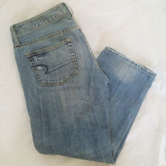 American Eagle Capris Great condition! Size 6 regular. American Eagle Outfitters Jeans
