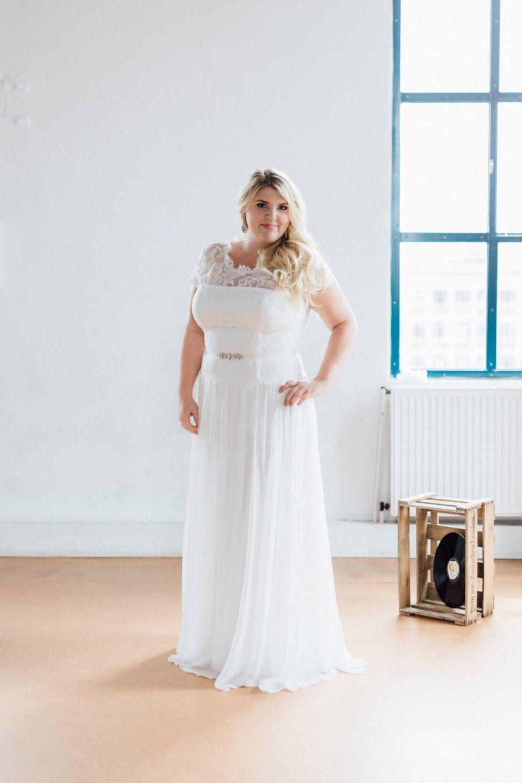 Vintage Hochzeitskleid in großen Größen – unsere Phöbe ist eines