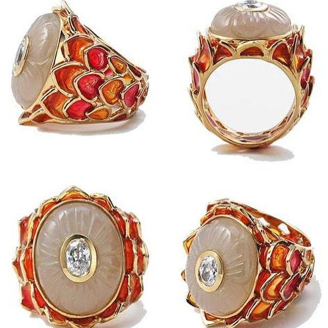 INDIAN GLAMOUR: Shop this beautiful and amazingly stunning collection by Isharya. #modernjewellery #isharya #shopnow #perniaspopupshop #happyshopping