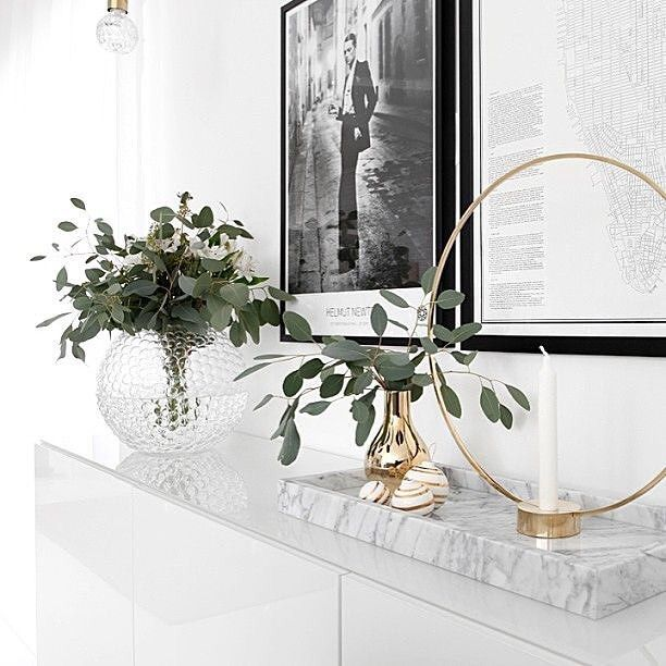 Aerin Gold Home Decor Inspiration: 인테리어, 집안 꾸미기, 현관