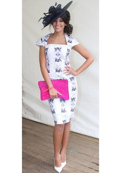 Michelle Keegan goes classic with a modern pop of pink #teamlbd #races #ladiesday #celebrity #michellekeegan