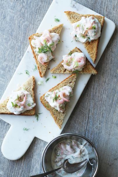 Toast Skagen - katkarapuleivät