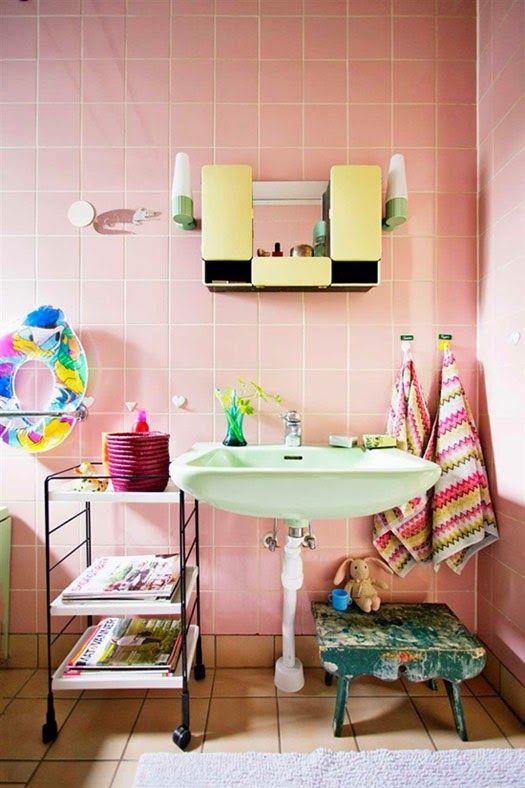 25 idées pour mettre un peu de rose dans nos vies Pinterest Dan - lavabo retro salle de bain