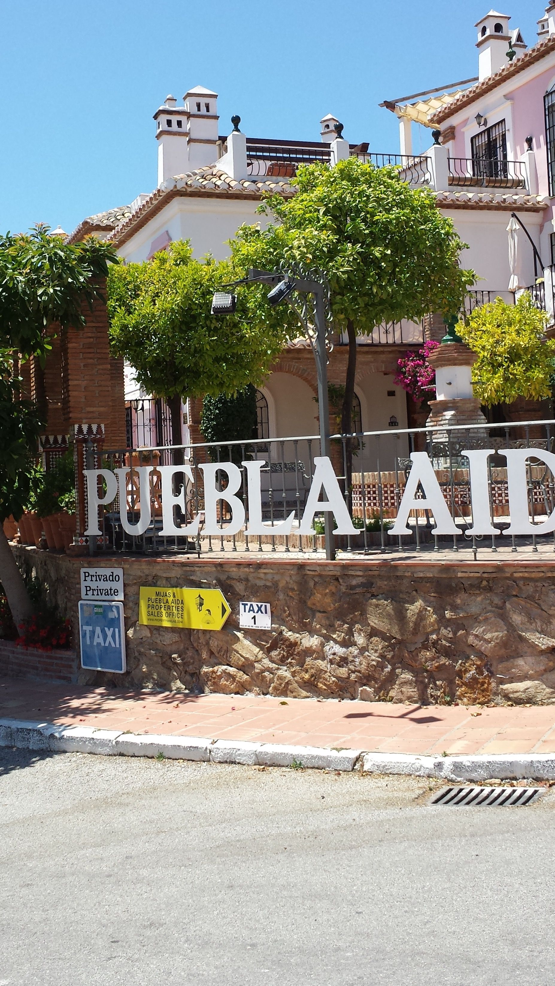Pin by Ruth A on Puebla Aida | House styles, Puebla, Mansions