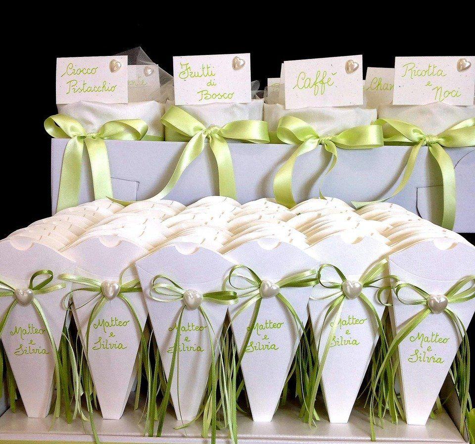 Coni Portariso O Portaconfetti Idee Per Matrimoni Tavoli Da Dessert Matrimonio Promesse Di Matrimonio