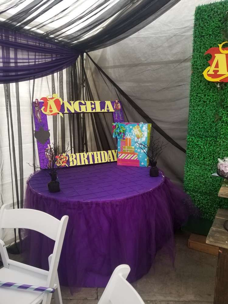 Descendants 2 Birthday Party Ideas