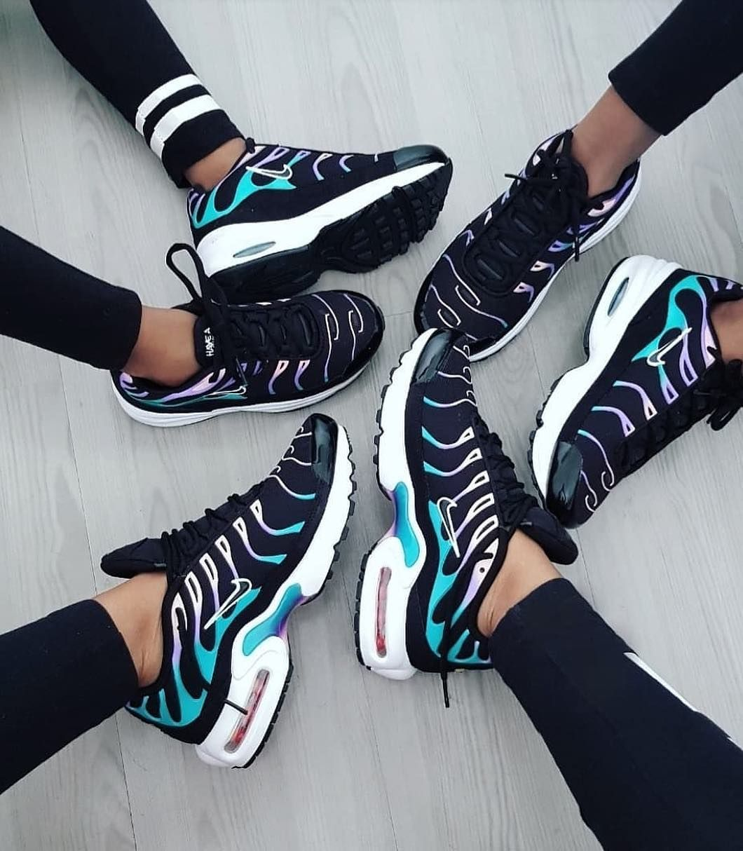 Nike air max plus, Nike shoes outfits