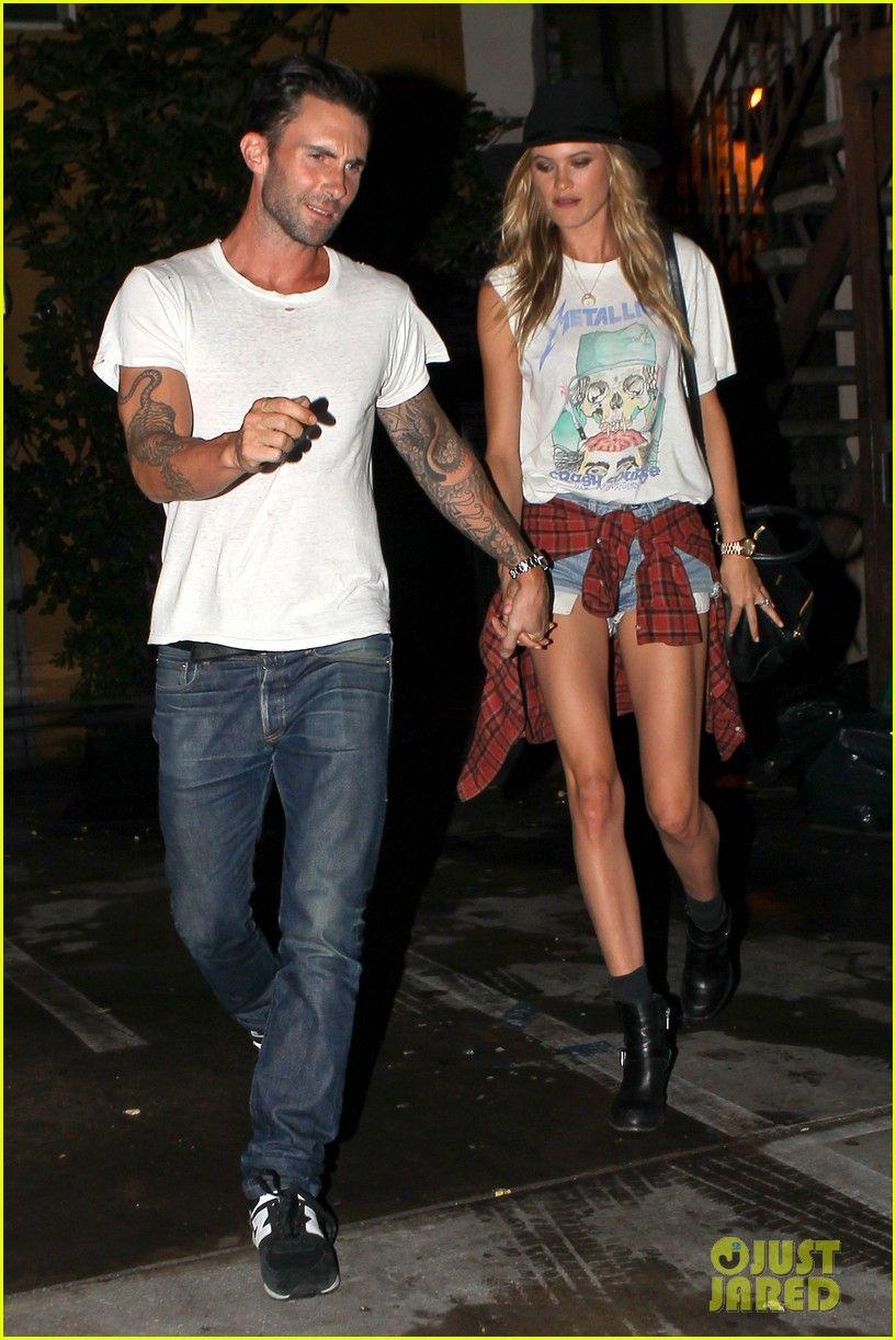 Newlyweds Adam Levine Behati Prinsloo Hold Hands For Post Wedding Dinner Date Adam Levine Behati Prinsloo Adam Levine Behati Behati Prinsloo