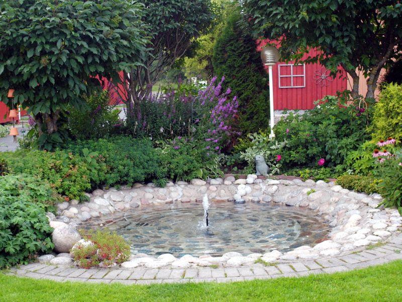 Piha, puutarha, suihkulähde
