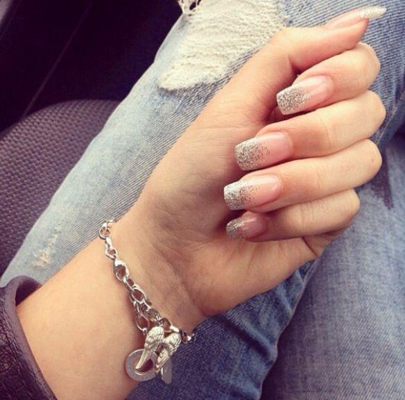 Sparkle ombré nails
