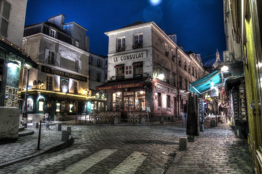 Le Consulat ....... Montmartre, Paris, France
