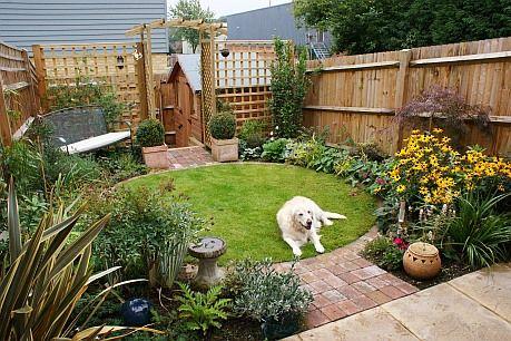 Budget garden, low cost | Small garden uk, Small backyard ...