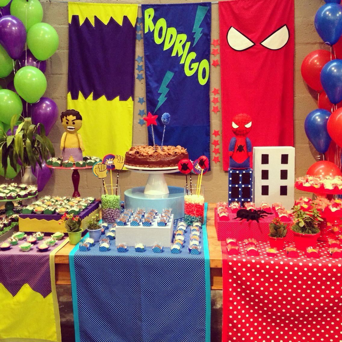 Festa Hulk e Homem Aranha - decoração mini mimo festas