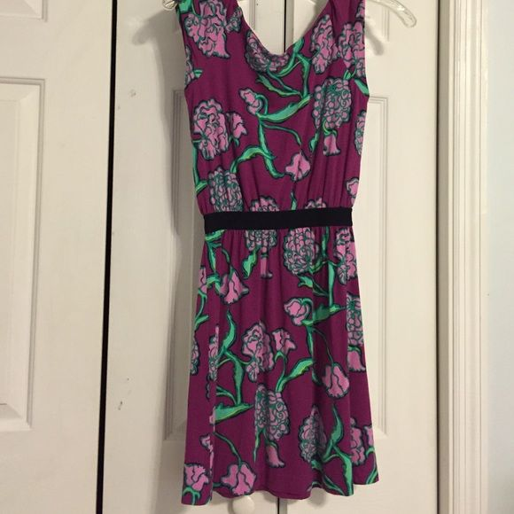 Lilly Pulitzer size XS floral dress summer spring EUC size XS Lilly Pulitzer knit dress. Black elastic waist. Magenta with lavender and green floral pattern. Lilly Pulitzer Dresses Midi