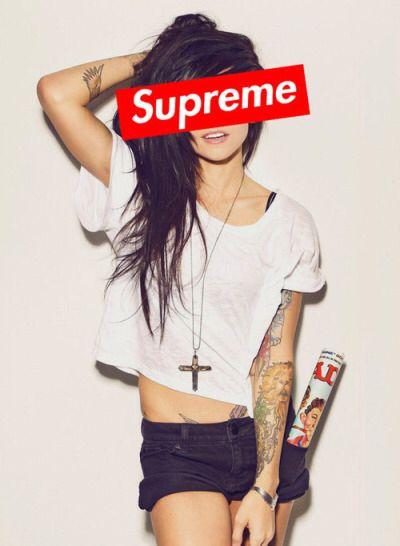 Supreme Girl Girls In 2019 Supreme Wallpaper Iphone Wallpaper
