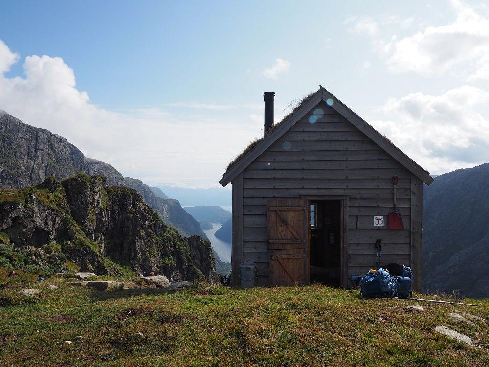 Onko Norjassa jokamiehenoikeuksia? TOP-5 vinkit Norjassa vaeltamiseen | Retkipaikka