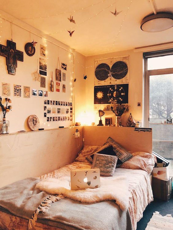 35 Cheerful Christmas Dorm Room Decorating Ideas on A ... on Room Decor Ideas De Cuartos Aesthetic id=51695