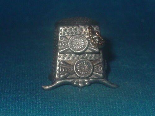 Pewter Nicholas Gish Jewelry Box Thimble Signed | eBay Nov 03, 2013 / US $30.99 / 1,014.07 RUB