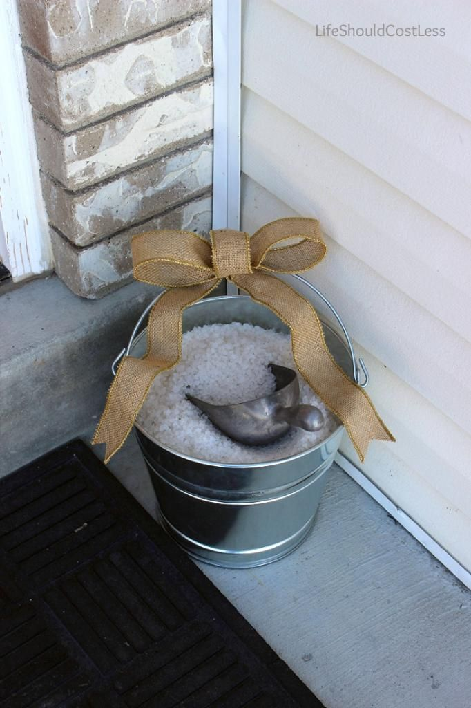 Ice Melt Storage Solution For The Front Steps Cl It Up A Bit