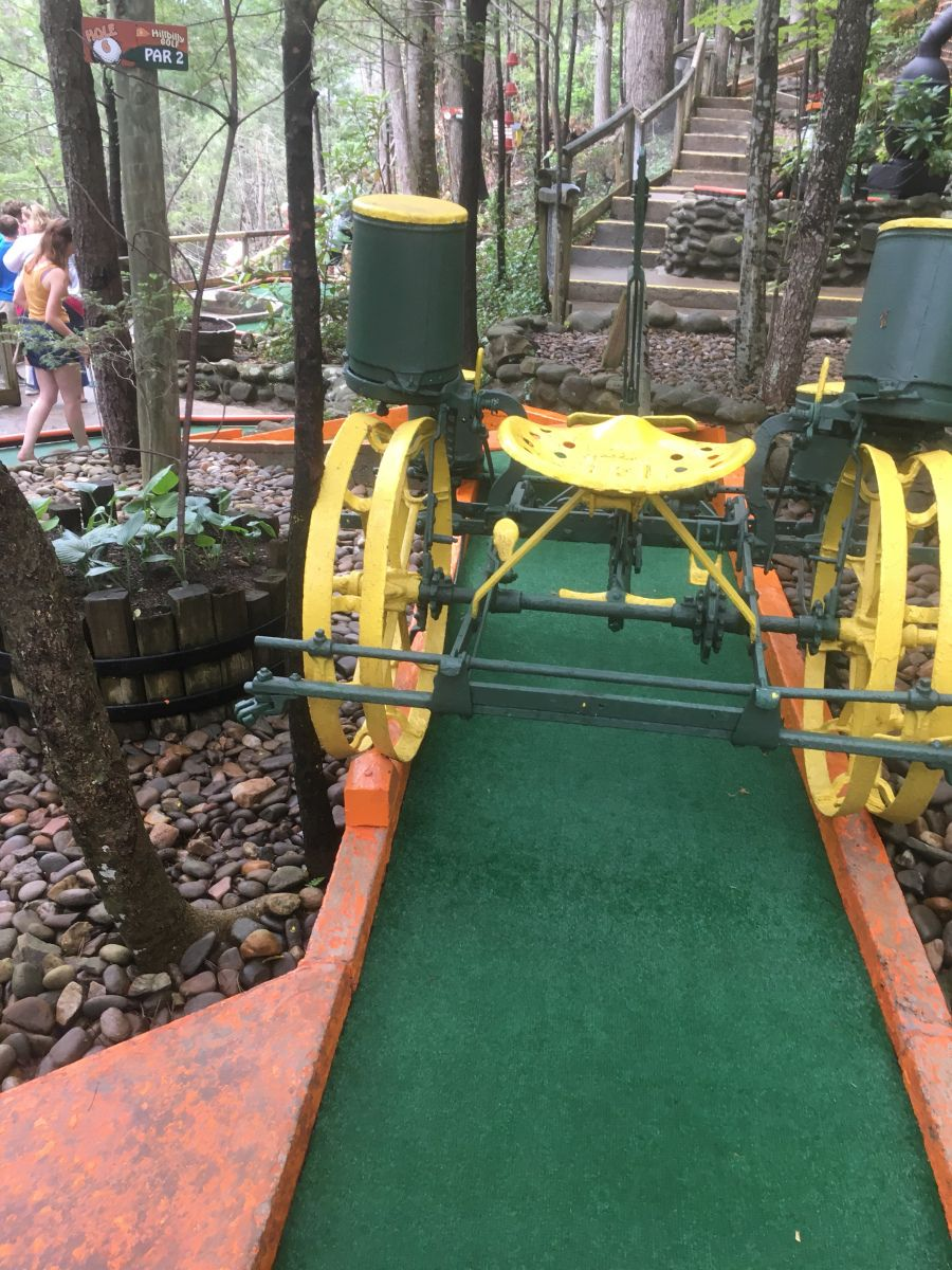 Hillbilly mini golf course 1 hole 6 golf courses golf