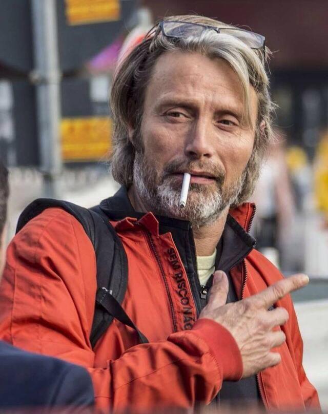 Mads Mikkelsen #smooking