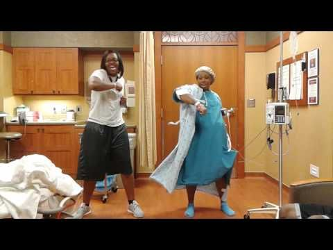 2c8164dd8d09d Mom in labor does the nae nae. - YouTube #pregnancy #labor #birth ...