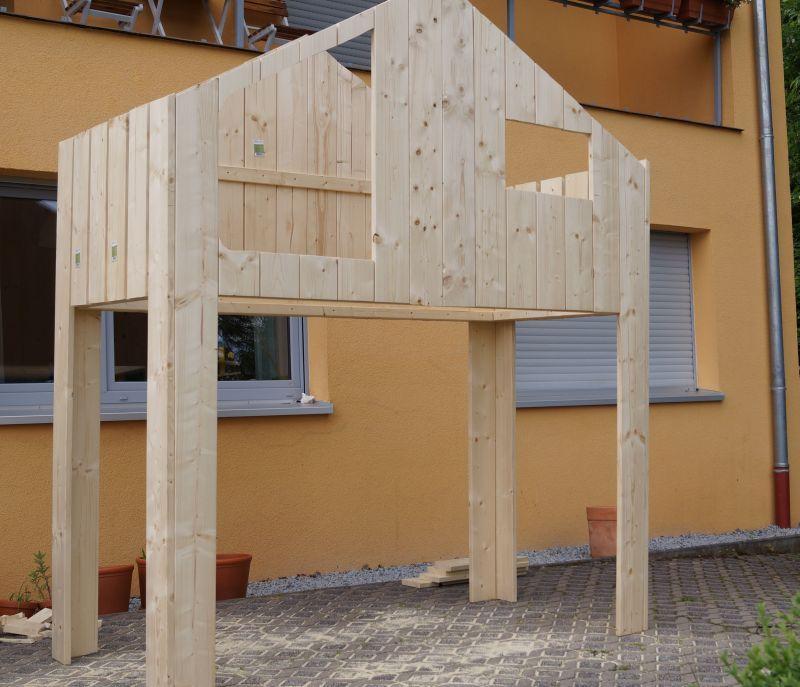 Diy ein haus hochbett bauen f rs kinderzimmer for Kinderzimmer zaun